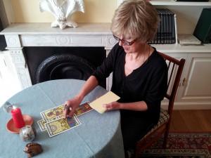 lectura de tarot para alejar a la amante