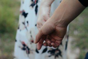 hechizo-de-amor-para-permanecer-unidos